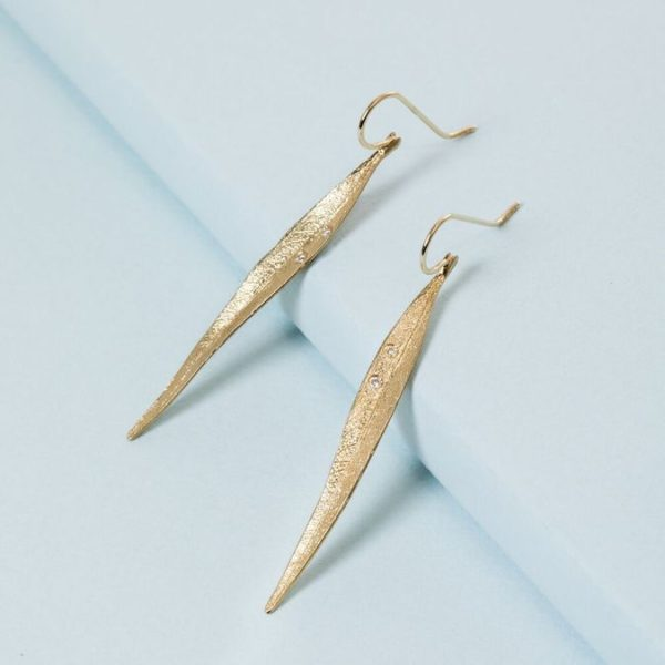 14K Long Leaf earrings in yellow gold with diamonds