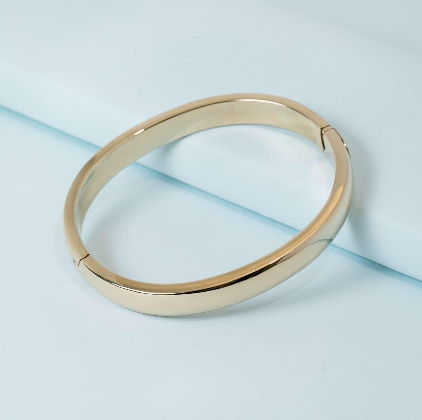 14k Gold Large Oval Bangle Bracelet